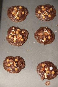 fudgey caramel turtle cookie recipe, turtle cookie recipe, caramel, chocolate, turtle recipe