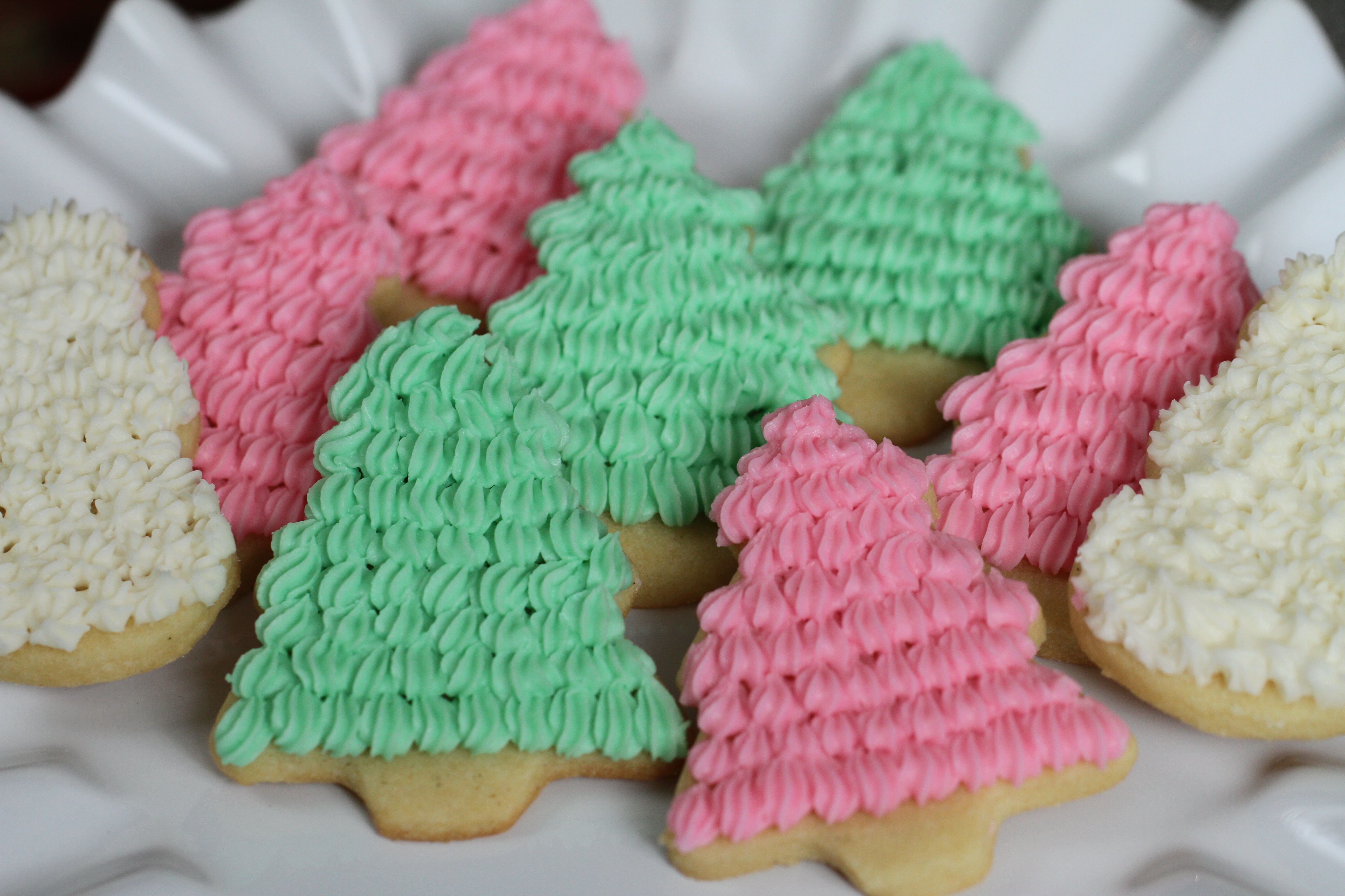 Tooth » Blog Archive Sugar Cookies with Easy Buttercream Frosting ...