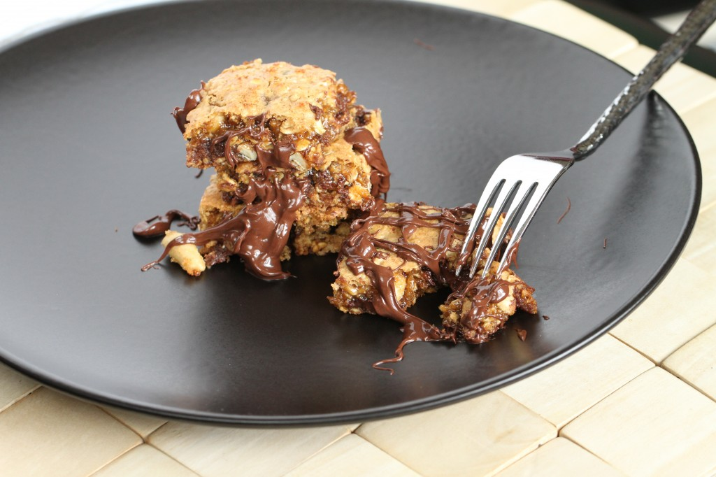 Whole-Grain Chocolate Chip Peanut Butter Power Bars {Satisfy My Sweet Tooth}