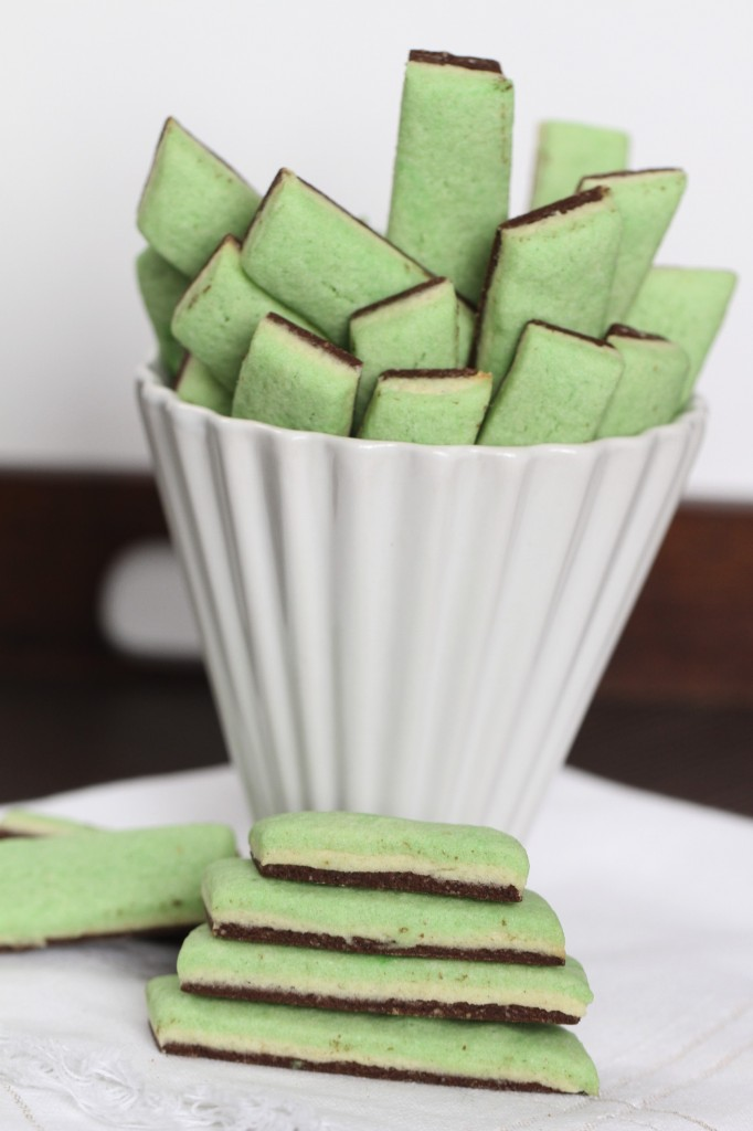 Layered Mint Chocolate Cookies {Satisfy My Sweet Tooth}