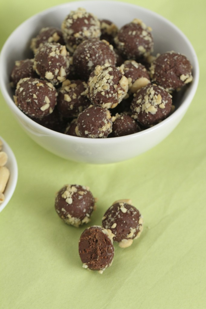 Chocolate Peanut Butter Cream Cheese Truffles {Satisfy My Sweet Tooth}