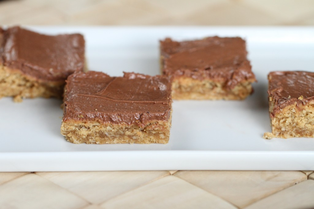 Lunch Lady Peanut Butter Bars {Satisfy My Sweet Tooth}