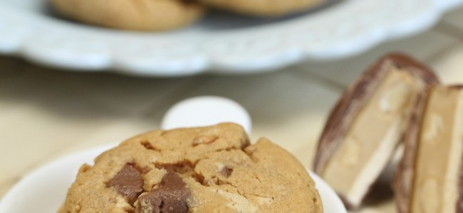 Flourless Peanut Butter Snickers Cookies {Satisfy My Sweet Tooth}
