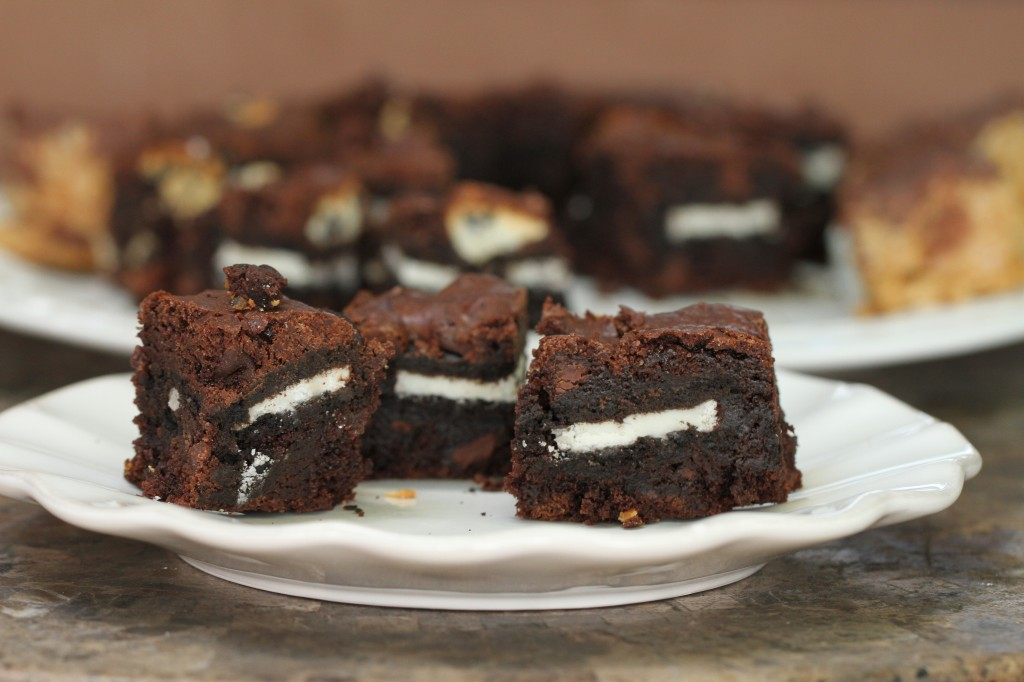Oreo Fudge Brownies {Satisfy My Sweet Tooth}