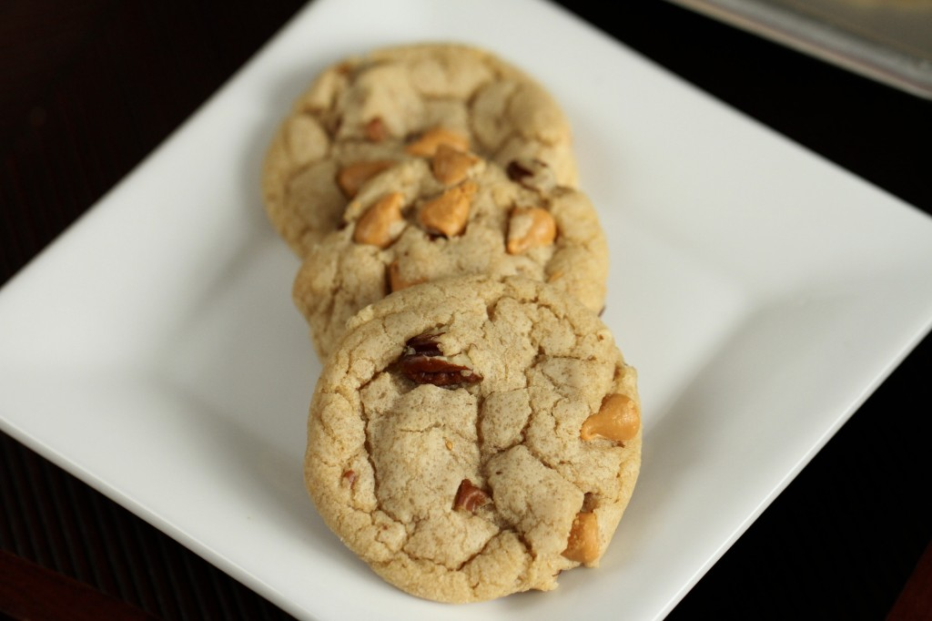 Brown Butter Butterscotch Pecan Cookies {satisfymysweettooth.com}