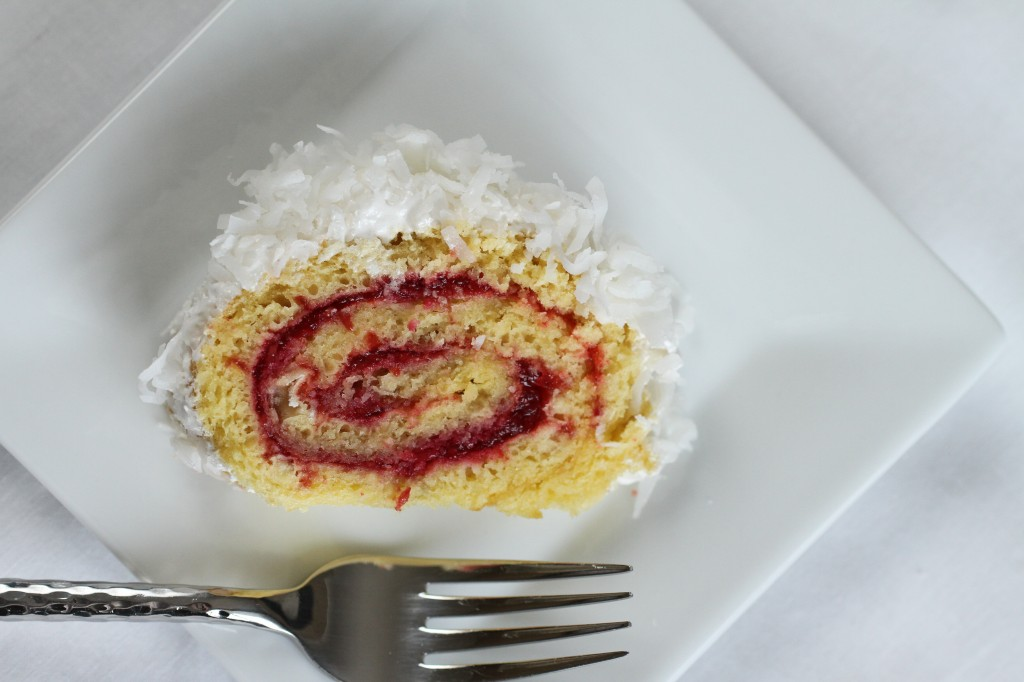 Raspberry Coconut Cake Roll {satisfymysweettooth.com}