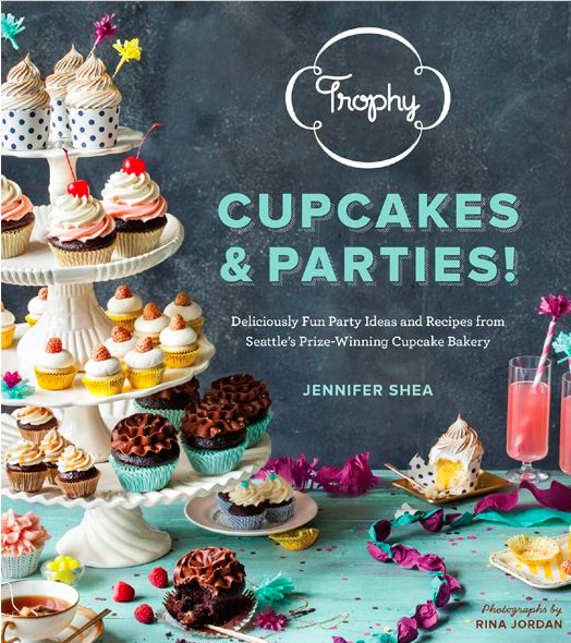 Trophy Cupcakes & Parties Book Review
