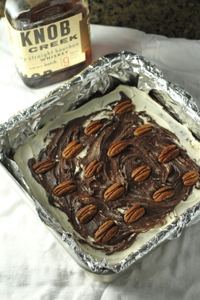 Bourbon Pecan Brownies {satisfymysweettooth.com}