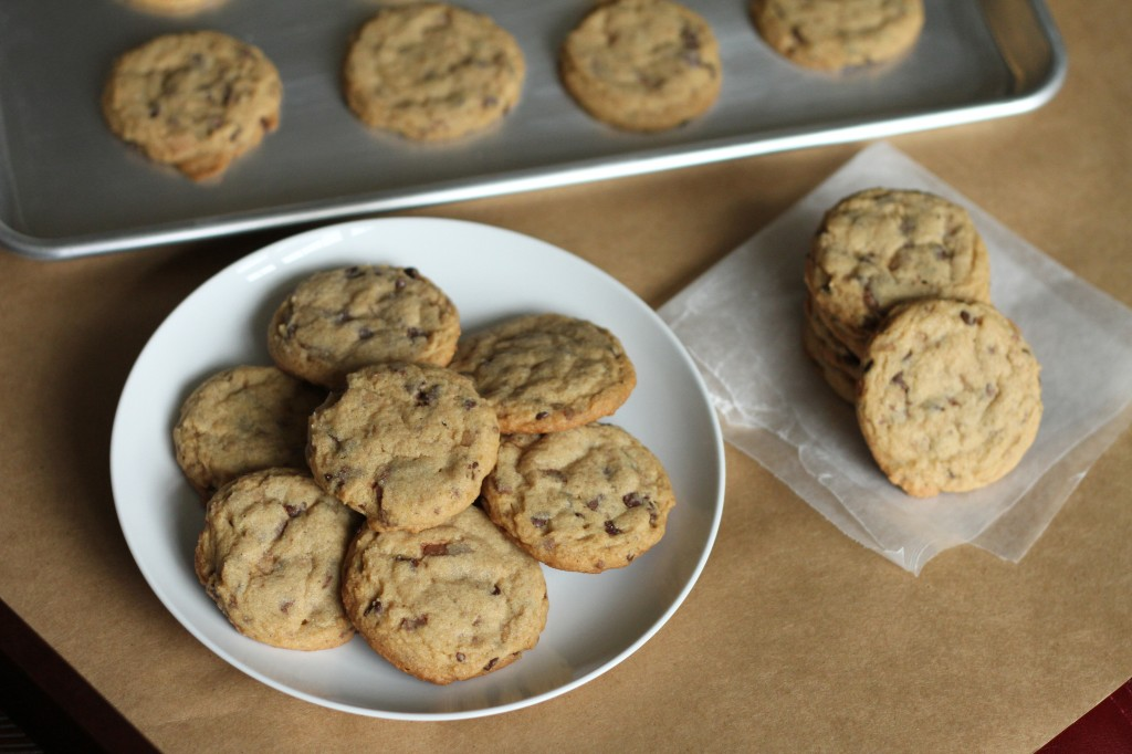 Toffee Chocolate Chip Cookies {satisfymysweettooth.com}