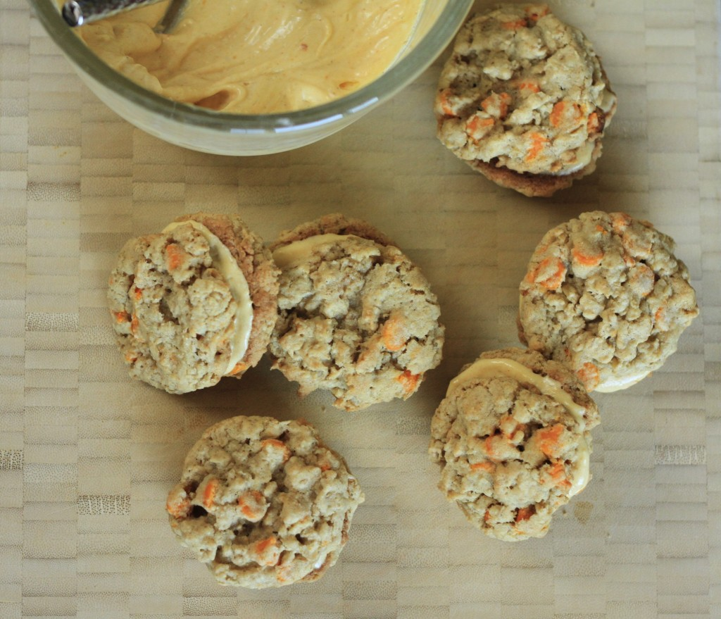 Pumpkin Chip Cream Sandwich Cookies {satisfymysweettooth.com}