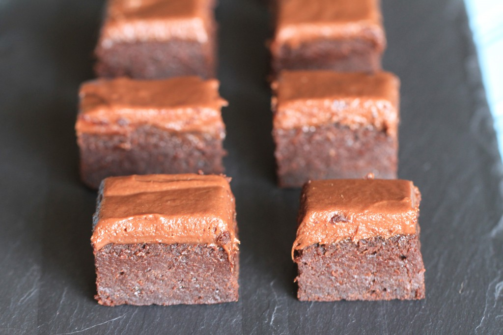 Pumpkin Brownies {satisfymysweettooth.com}