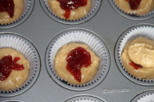 Peanut Butter & Jelly Crumb Muffins {satisfymysweettooth.com}